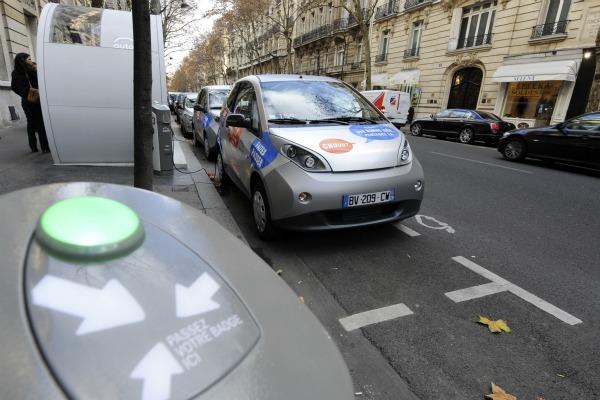 Electric Car Rental >> Electric Car Rental Scheme Hits Paris Streets Euractiv Com