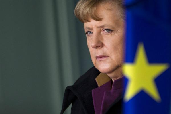 Merkel calls for 'political union' to save the euro – EURACTIV.com