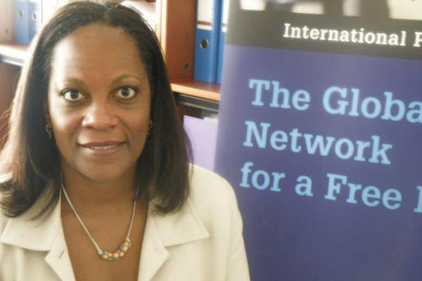 Alison Bethel McKenzie. [International Press Institute. 2009].