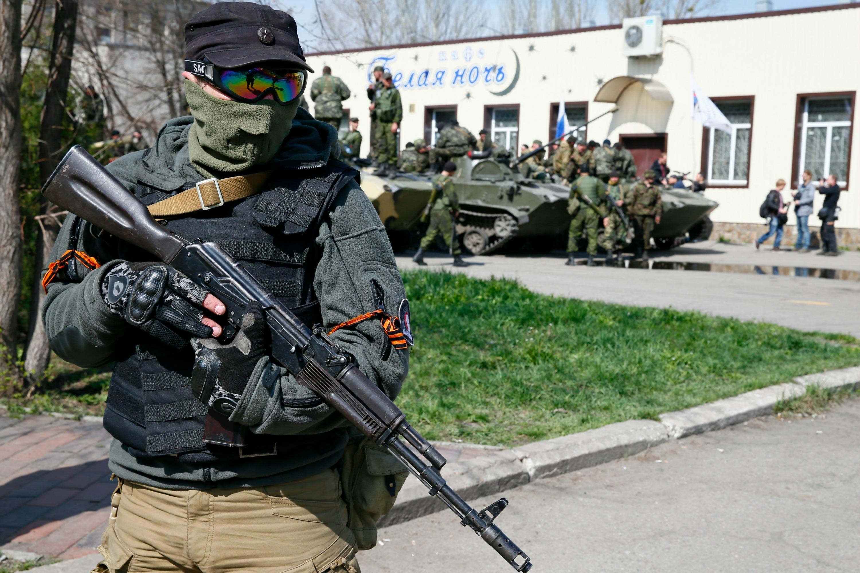 Pro-Russia militia in Eastern Ukraine photo Reuters