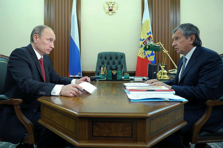 Vladimir Putin and Igor Sechin. Photo: the Kremlin website
