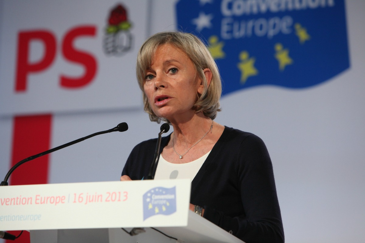 Elisabet Guigou speaks at the Socialist Party's Convention on Europe, on 16 June 2013 [Photo: Parti Socialiste, Flickr]]