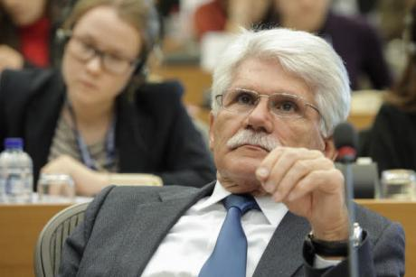 Portuguese MEP Vital Moreira is the country's most active in drafting reports, putting Portugal in first place above Germany in the VoteWatch ranking. [EP]