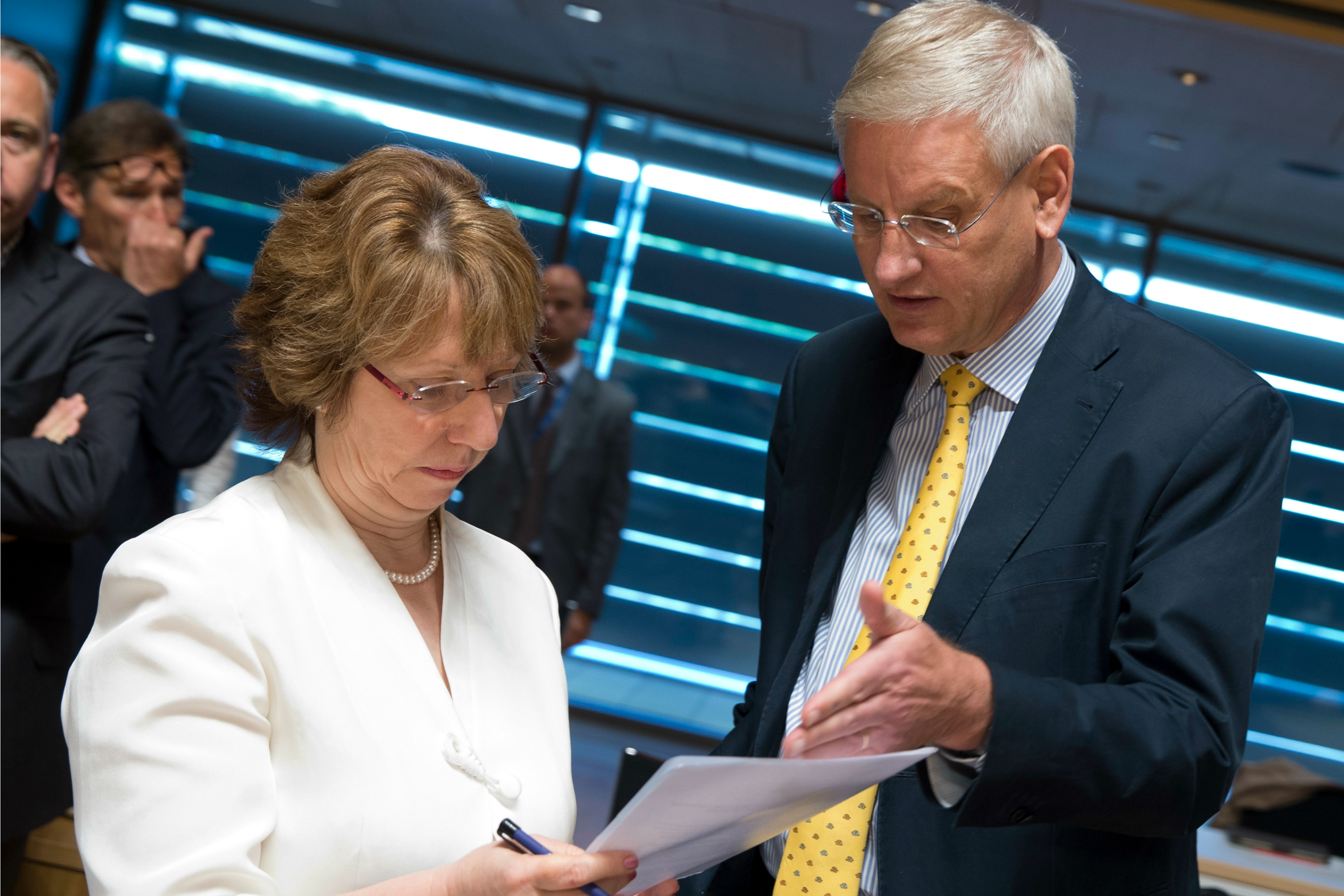 Catherine Ashton and Carld Bildt at Luxembourg ministerial