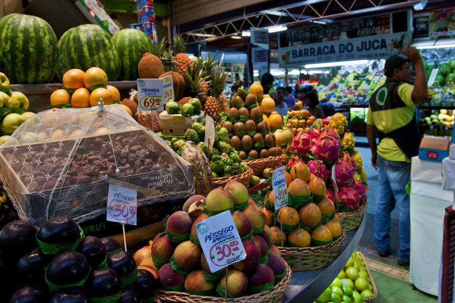 A colourful fruit market in São Paulo Brazil. 2011 [Jack Zalium/Flickr]