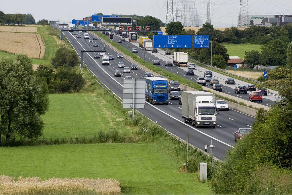 German autobahn highway near Frankfurt am Main. 2012 [Spiegelneuronen/Flickr]
