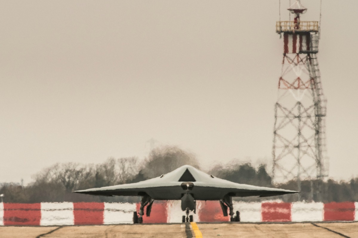 A Taranis drone prepares for takeoff at an airfield in England. [© 2014 BAE Systems]