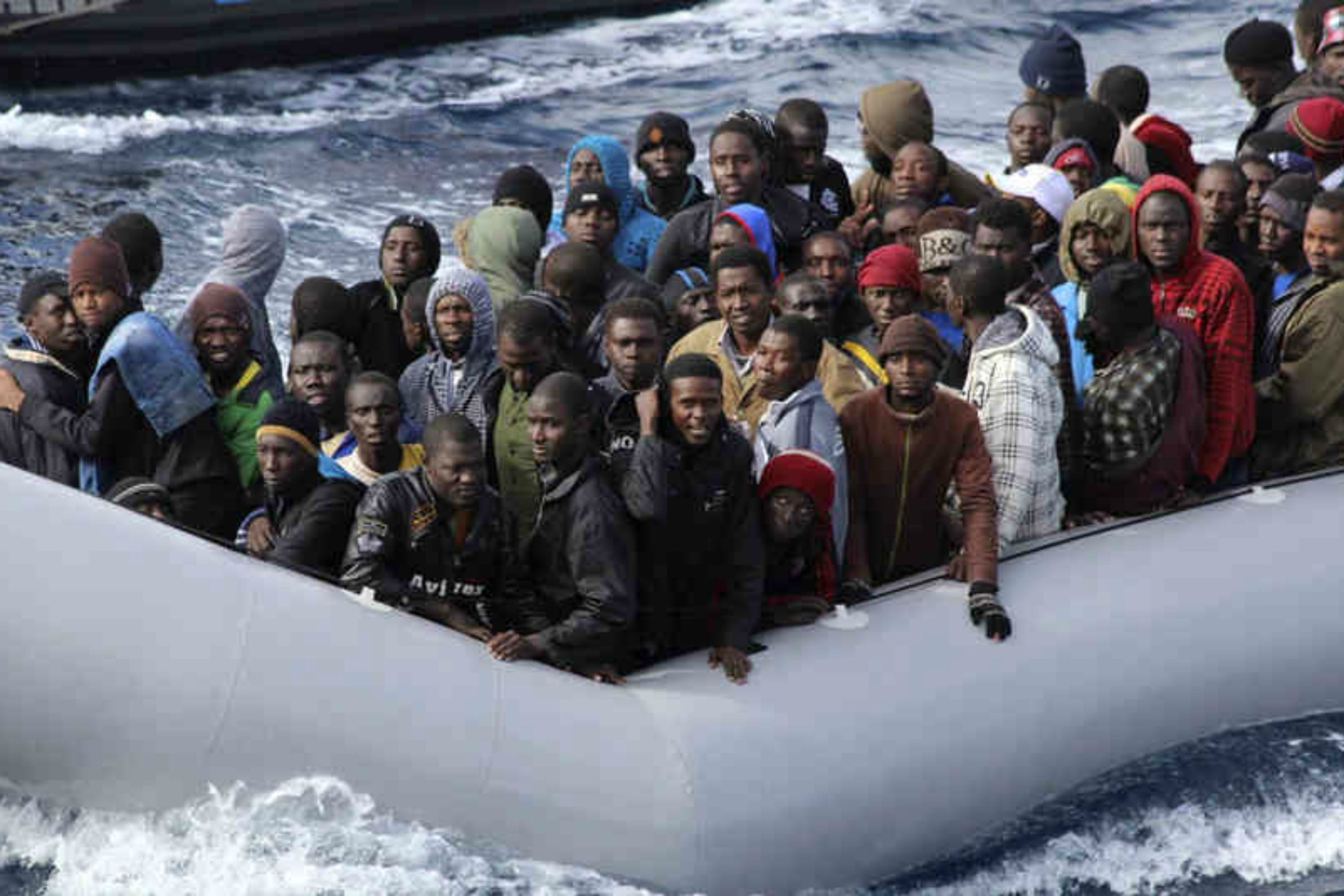 Record number of boat migrants reach Italy in 2016 – EURACTIV.com