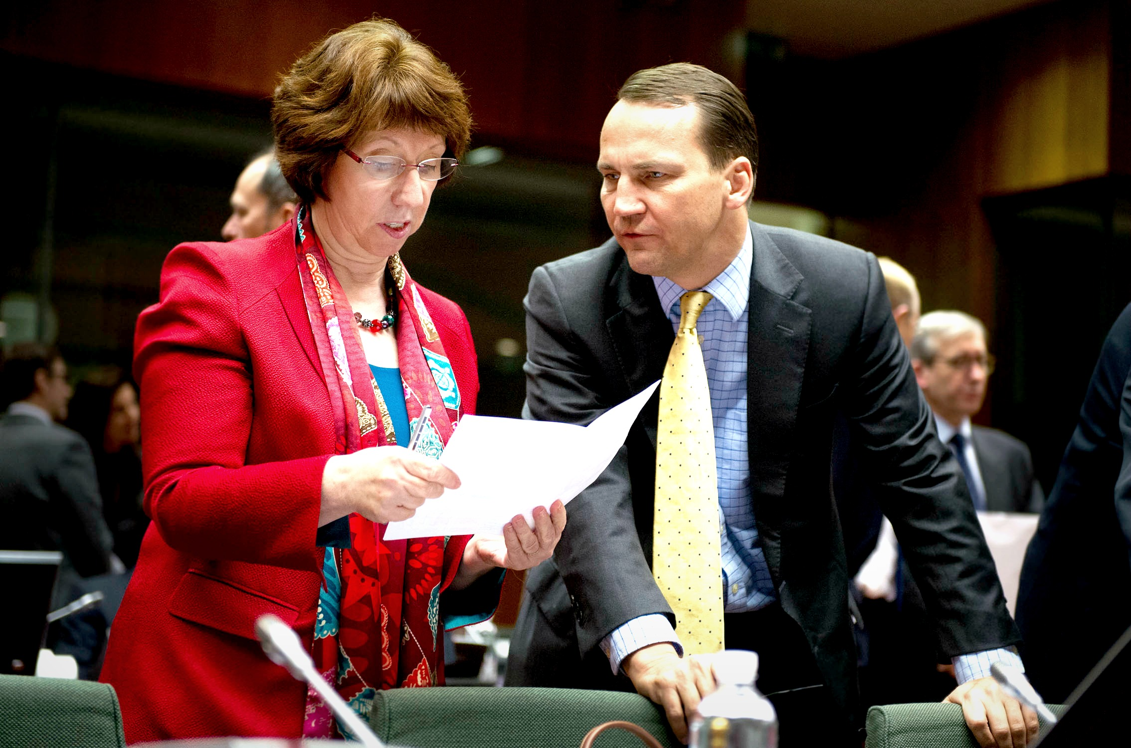 Catherine Ashton with Radoslaw Sikorski [European External Action Service/Flickr]