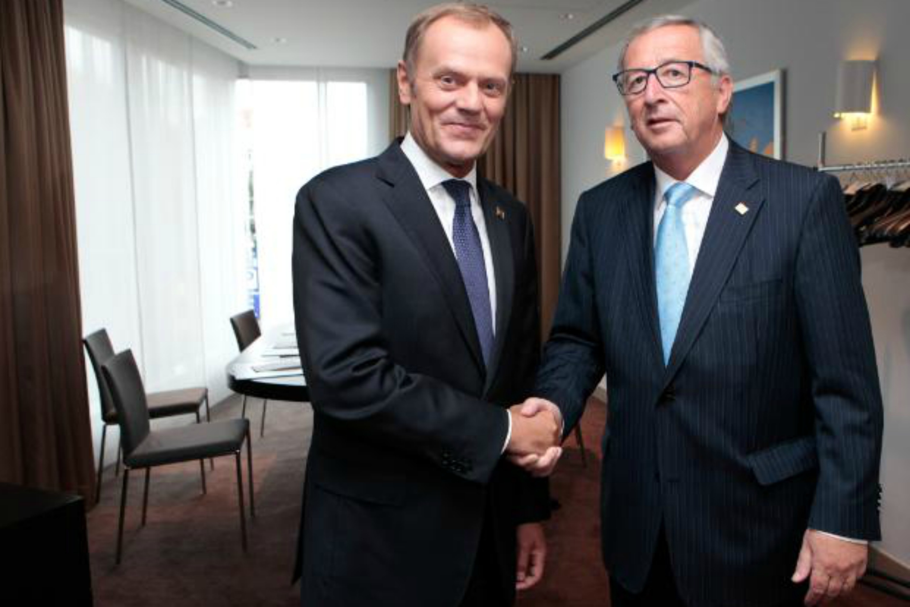 Donald Tusk [L] will have to work hand in hand with Jean-Claude Juncker [Commission]