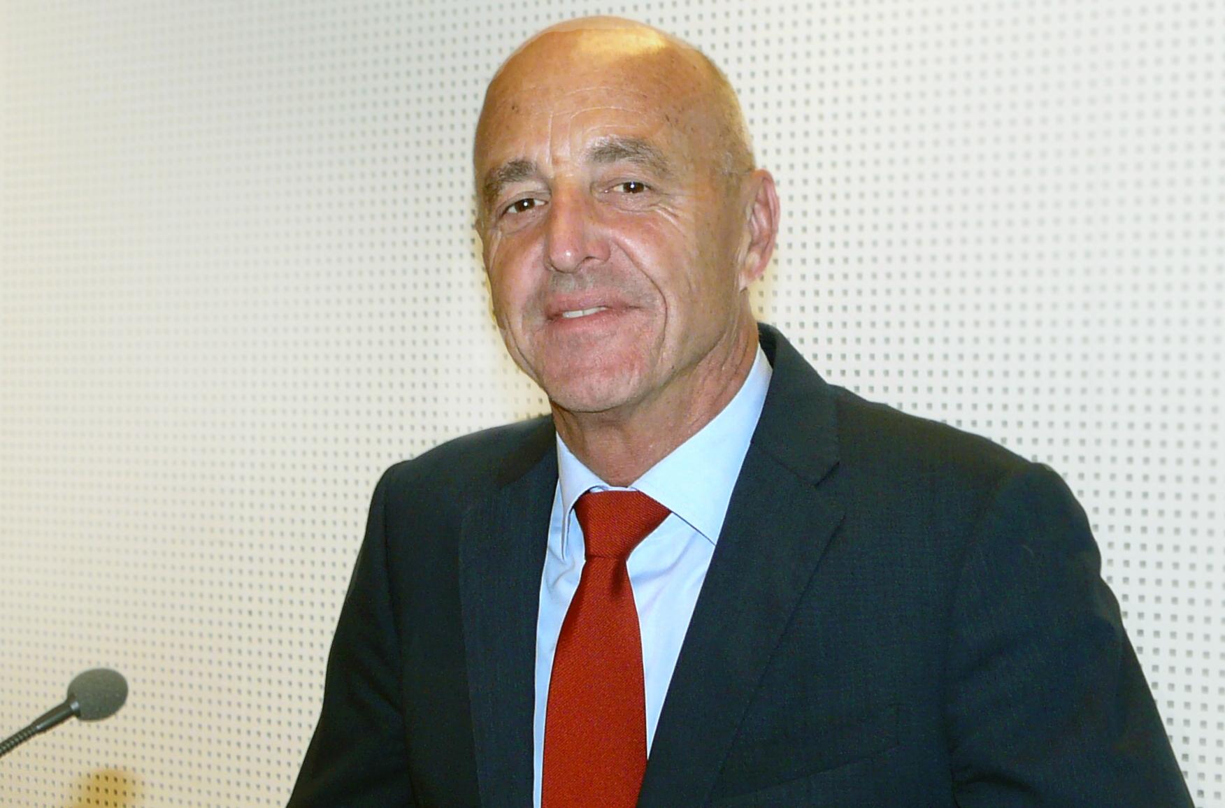 Roland Strauss