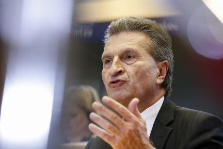 Outgoing Energy Commissioner Günther Oettinger doled out harsh criticism of Germany's energy policy. [EP]