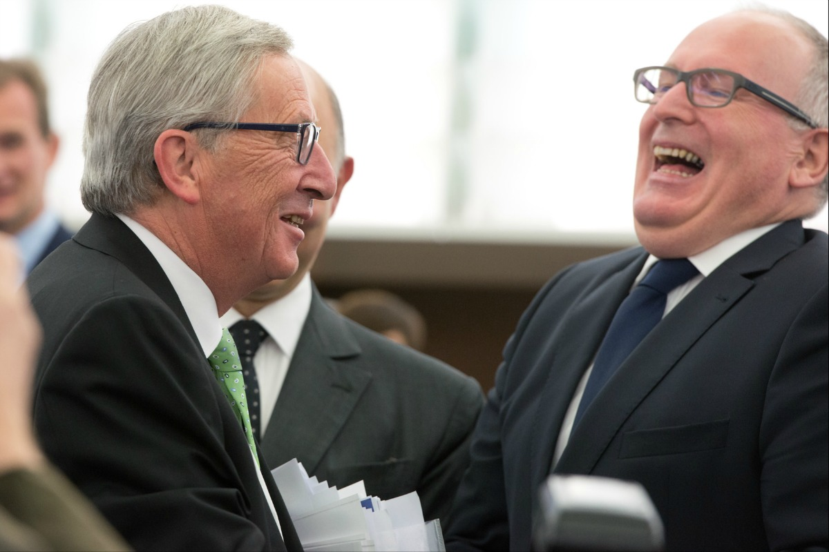 EU Commission President Jean-Claude Juncker (L), and Frans Timmermans, Commission First Vice-President, 22 Oct. 2014