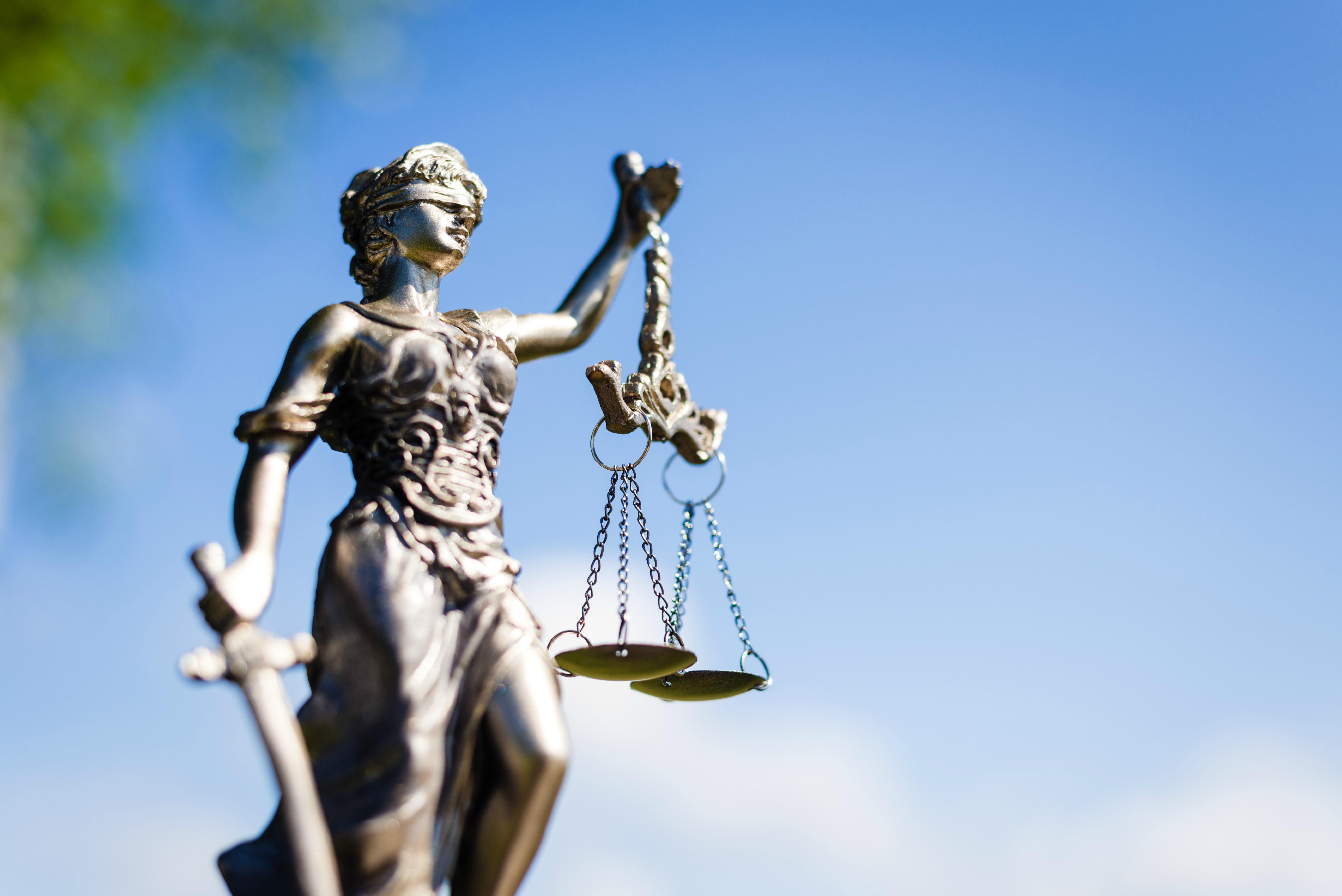 Parliament s opposition to ttip arbitration on the rise for Escritorio de abogado