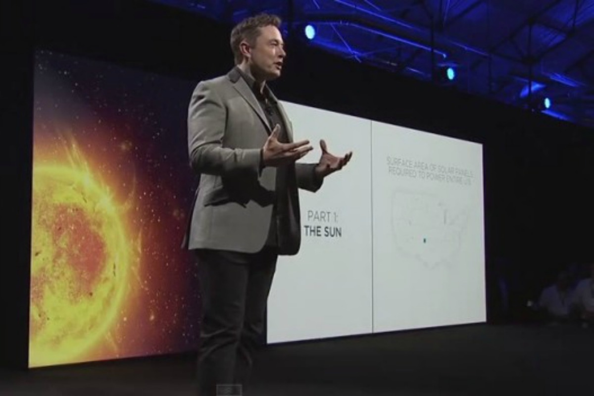 Elon Musk presents the Powerwall