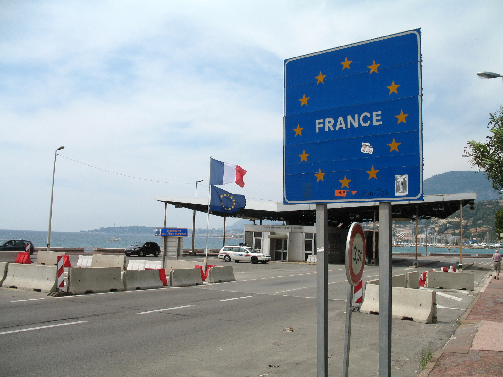France will impose border controls for climate talks  EURACTIVcom