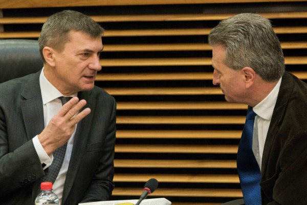 European Commission Vice President Andrus Ansip and Digital Commissioner Günther Oettinger