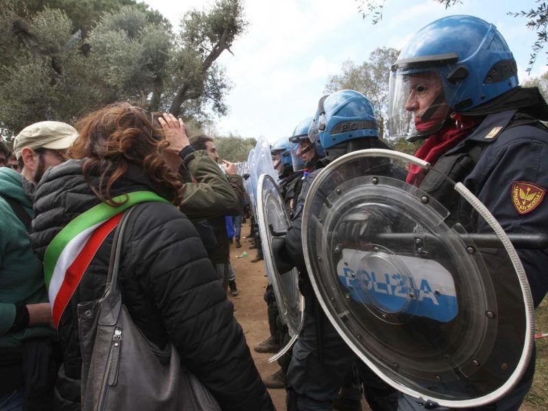 Conte tells Italian rebel village he is unable to stop TAP