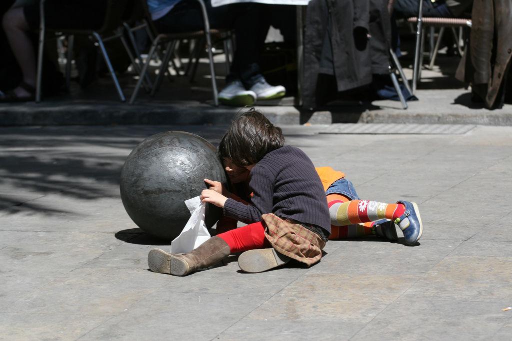 40 Of Spanish Children Live In Poverty Euractiv Com