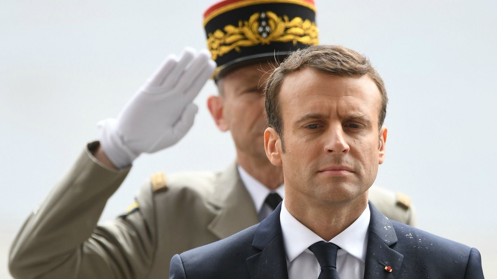 Macron nükleer santralleri kapatayacak