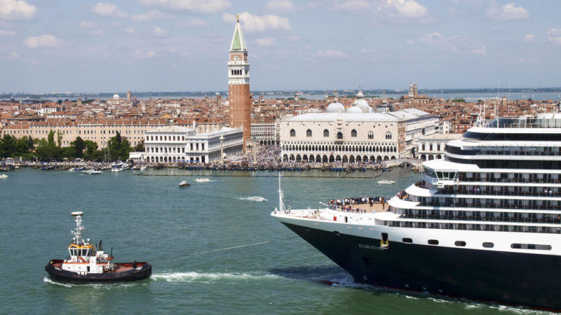 Daily Emissions Of Cruise Ships Same As One Million Cars - Cruise ships images