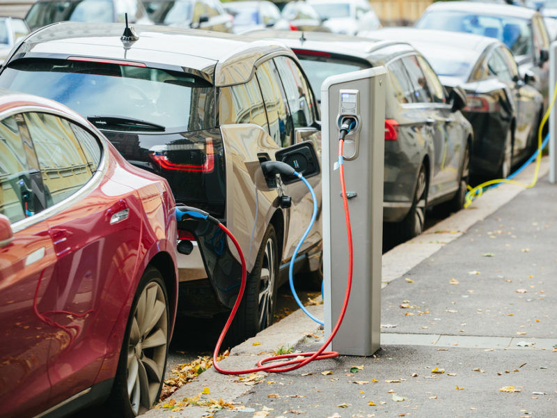 Uk Government Adviser Warns Electric Cars Are Not Total Air Pollution Solution