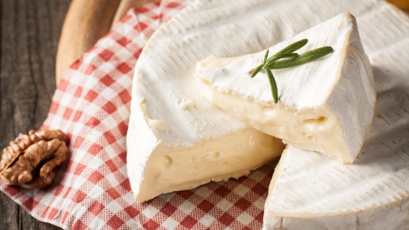 Brie trade agreement: China lifts soft cheese ban – EURACTIV com