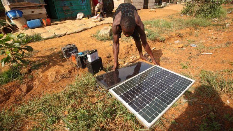 Eu Lighting Up Africa With Solar Euractiv Com