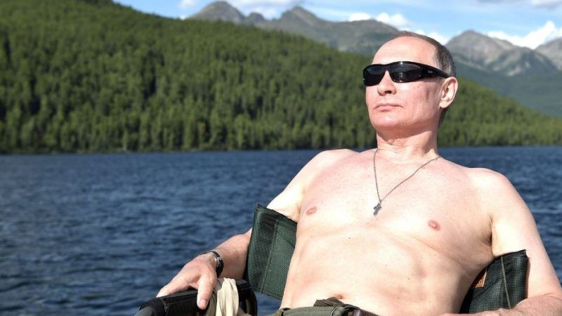 Vladimir Putin Uncontested Ruler Of His Kingdom Euractiv Com