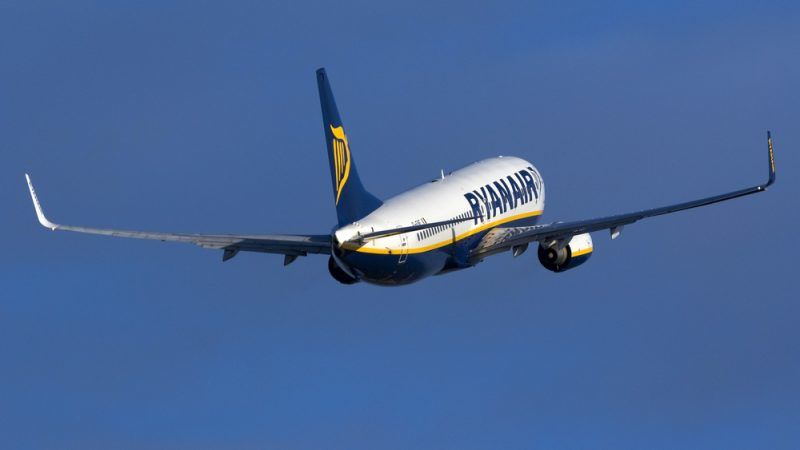 Ryanair pilots strike grounds 400 flights across Europe