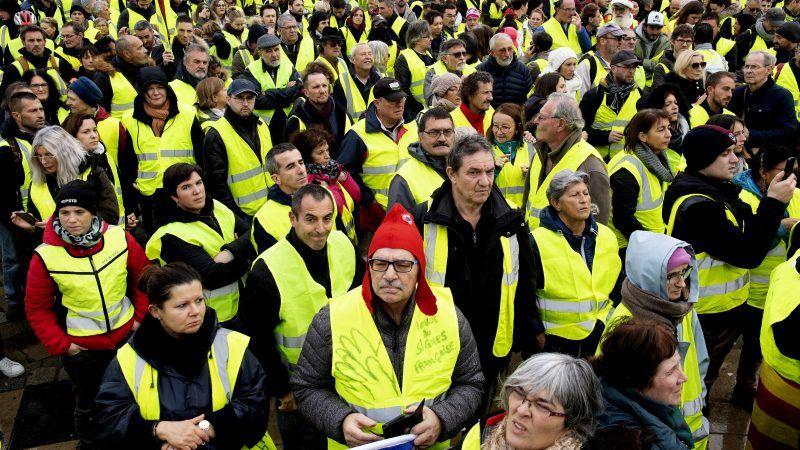 yellow vest movement has shaken the elites