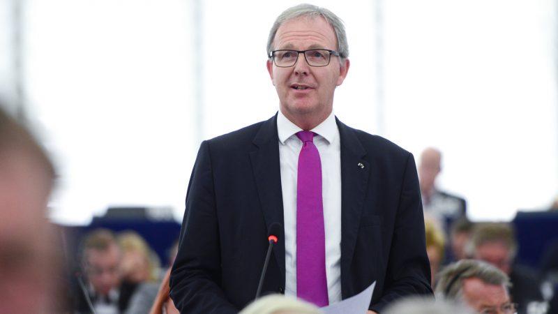 Copyright MEP in bomb threat scare – EURACTIV com