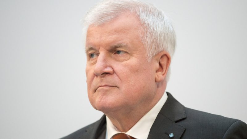 Germany's conservative interior minister now a 'refugee saviour'