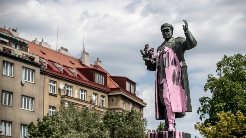 Prague to remove statue of Soviet World War II marshal
