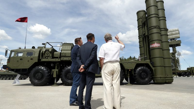 Russia sends S-400 missile defense systems to Serbia for