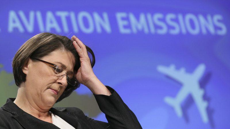 UN body votes to ground EU's aviation emission efforts
