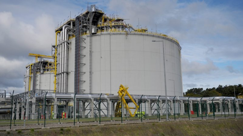 Billions to be wasted on 'unnecessary' gas projects, study says