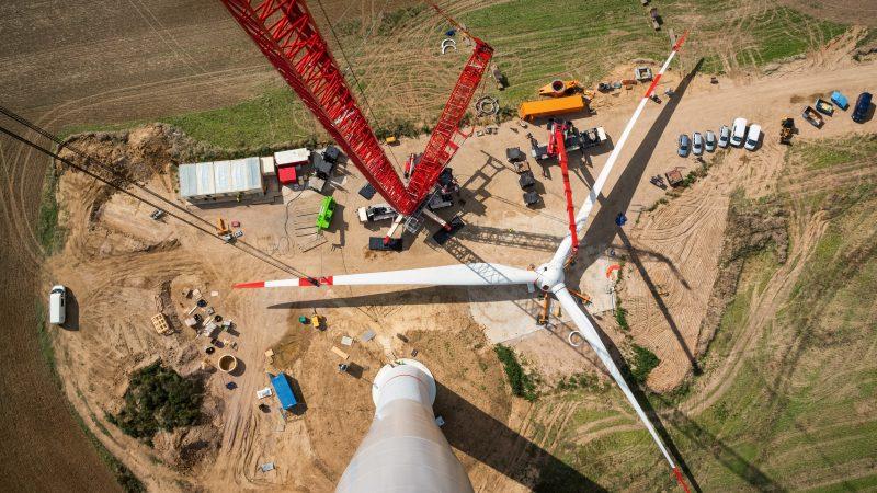 EU's creeping clean energy efforts risk missing 2020 goal