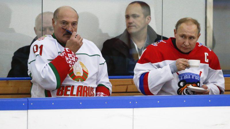 The Kremlin Is Pushing Belarus To Merge With Russia Lukashenko Euractiv Com