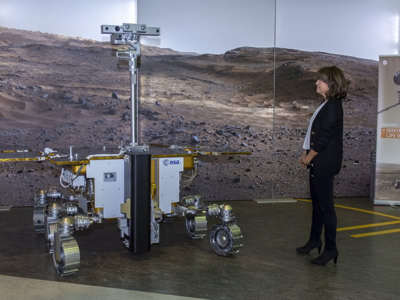 - Rosalind meets Rosalind 800x600 - Coronavirus delays Europe's space rocket plans – EURACTIV.com