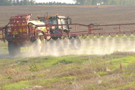MEPs back impact assessment for farmers in case of glyphosate reduction