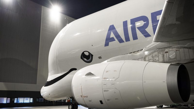 EurActiv: Airbus ponders hydrogen's flying future.