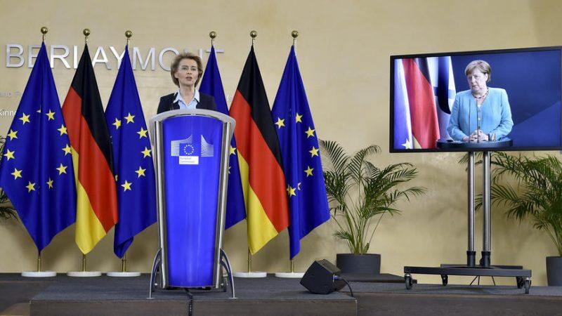 Two long-time companinions guiding Europe
