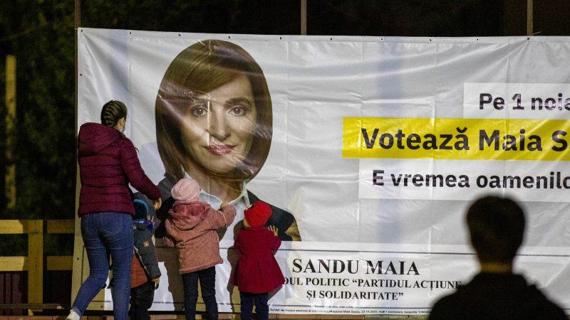 Moldova votes for president under Moscow gaze – EURACTIV.com