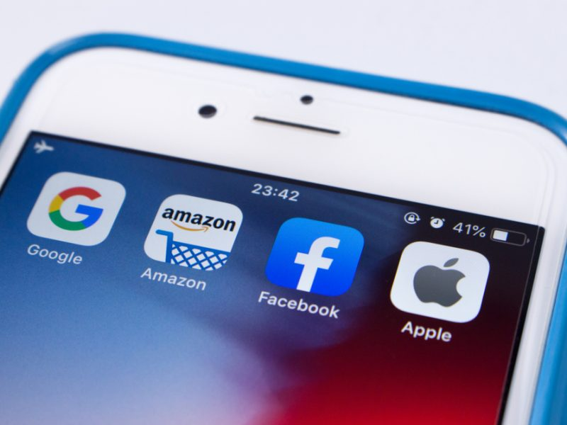 Forthcoming EU rules to rein in the dominance of the Big Tech giants should include measures to regulate Big Tech from accumulating too many users at the disadvantage of smaller competitors, a position paper from France and the Netherlands says.