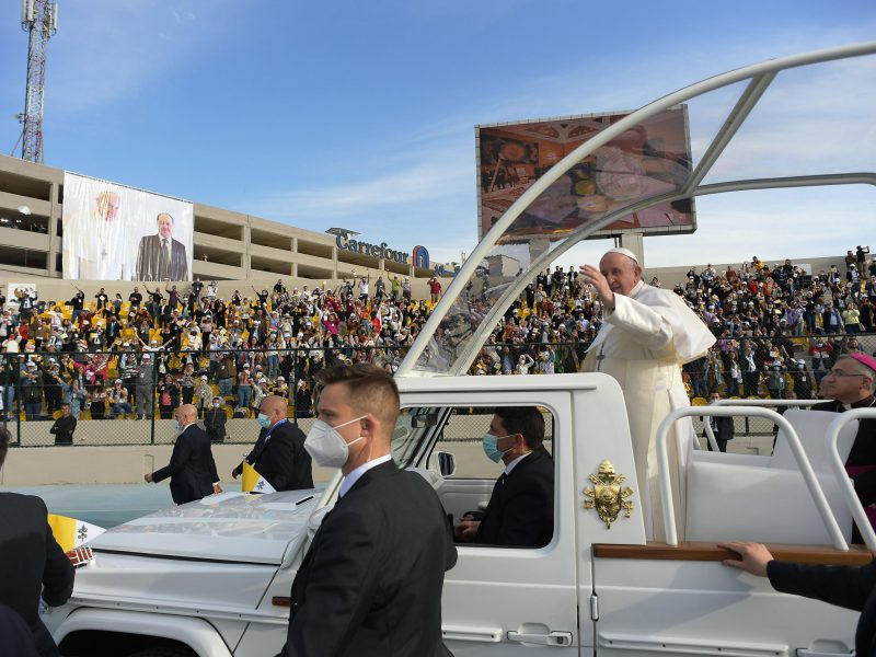 'Peace more powerful than war', Pope Francis says in Iraq's ruined city of  Mosul – EURACTIV.com