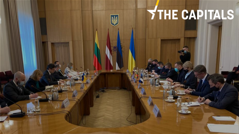 Image Baltic ministers call for 'red lines' towards Russia in Kyiv trip