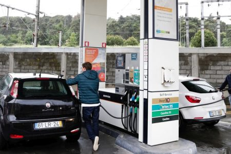 Electrification push won't green cars on the roads: fuel industry